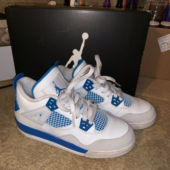 sale retailer 13ee9 2946b Jordan Retro 4s - Military Blues
